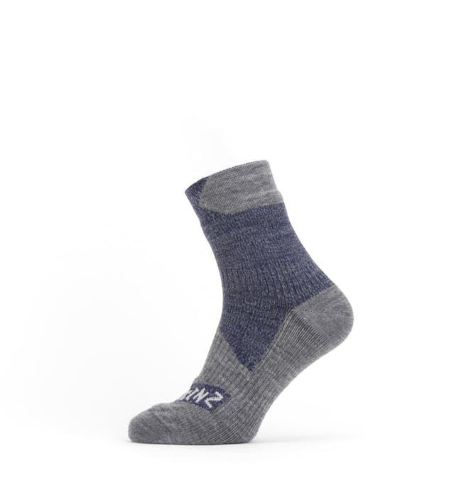 Afbeelding Sealskinz Fietssokken waterdicht voor Heren Blauw Grijs / Waterproof All Weather Ankle Length Sock Navy Blue/Grey