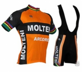 Molteni Arcore outfit