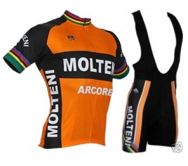 Great range of retro style cycling clothing of various brands.